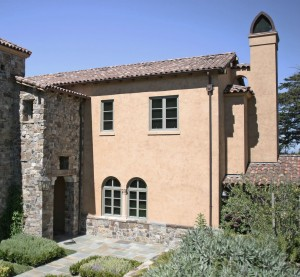 "<p style=""text-align: left;"">Tuscan Style house</p>"